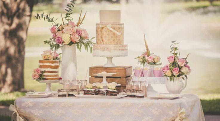 Decoração de casamento no estilo shabby chic é tendência no Casar.com, onde você encontra Inspirações e Dicas para seu Casamento feito por quem mais entende do assunto