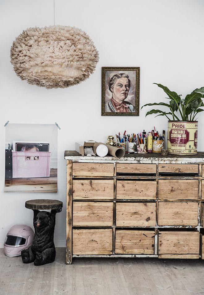 Jenny+brandts+studio.+vita+eos+feather+lamp,+rustic+table,+vinyl+guy,+print,+sammyrose