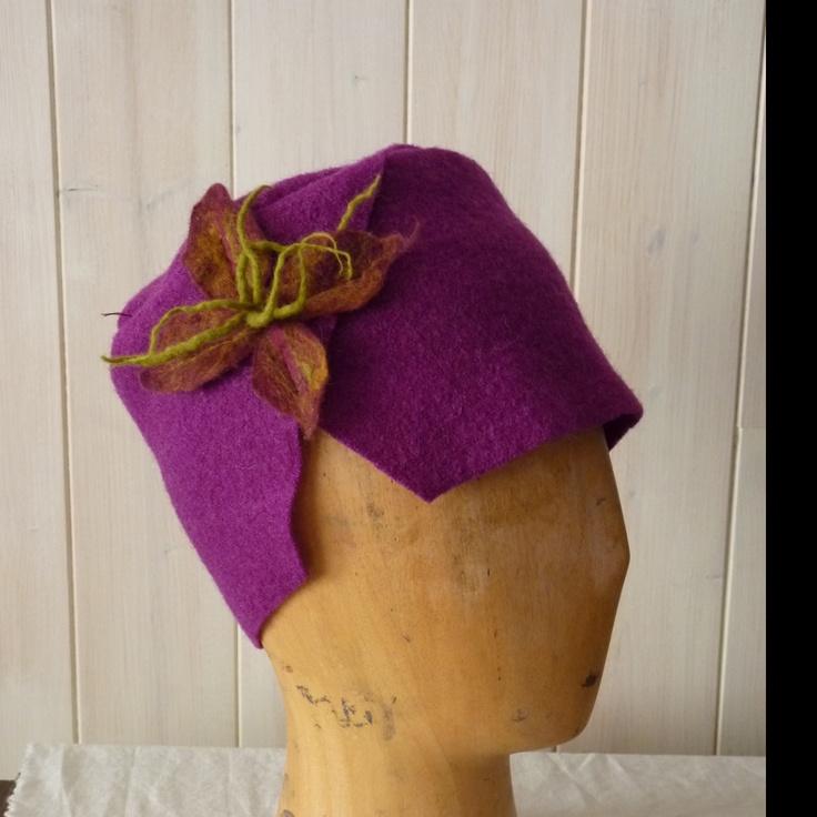 Chapeau en laine bouillie fuchsia:
