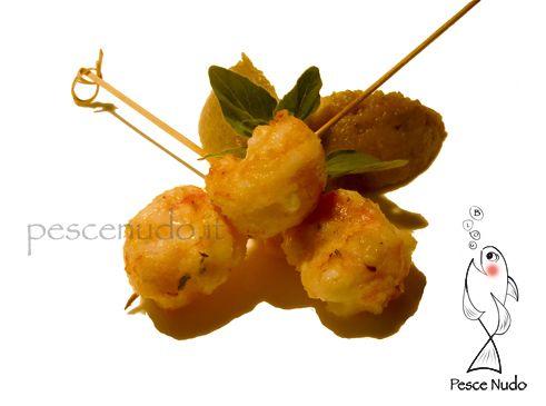 spiedini scampi Spiedini di scampi con polpa di melanzane e origano fresco