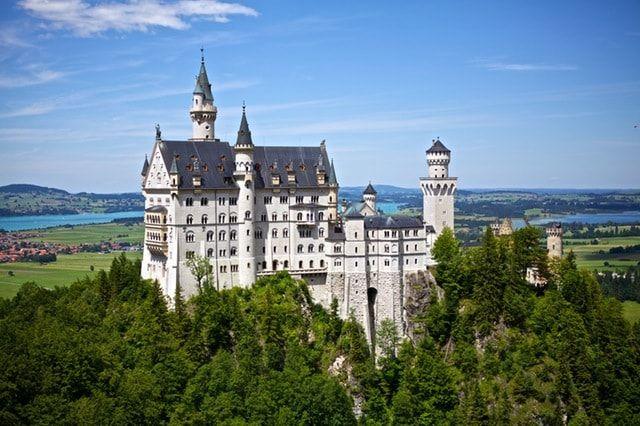 Los mejores lugares para viajar con niños en Alemania - Castillo Neuschwanstein #niños #mexicanosenalemania #viajar #viajarenAlemania