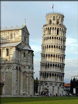 Seven Wonders of the Medieval World: Leaning Tower of Pisa