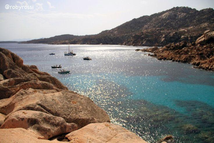 qualche barca a Cala Coticcio, Isola di Caprera - Gallura