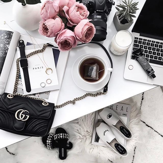 Happy Monday loves! Spent the morning cleaning the home officehellip