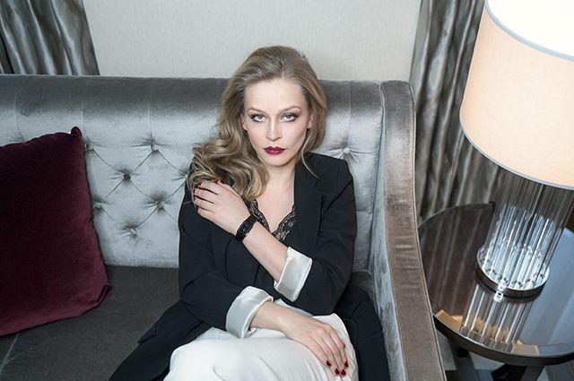Юлия Пересильд стала посланницей часового бренда Rado - http://vipmodnica.ru/yuliya-peresild-stala-poslannitsej-chasovogo-brenda-rado/