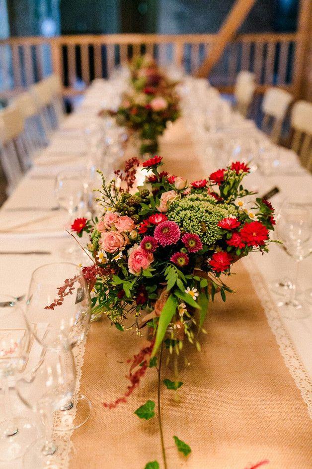 Tischläufer Leinen für die Hochzeitstafel, Wedding deko / wedding table decoration, table wedding made by Fliegenpilz via DaWanda.com
