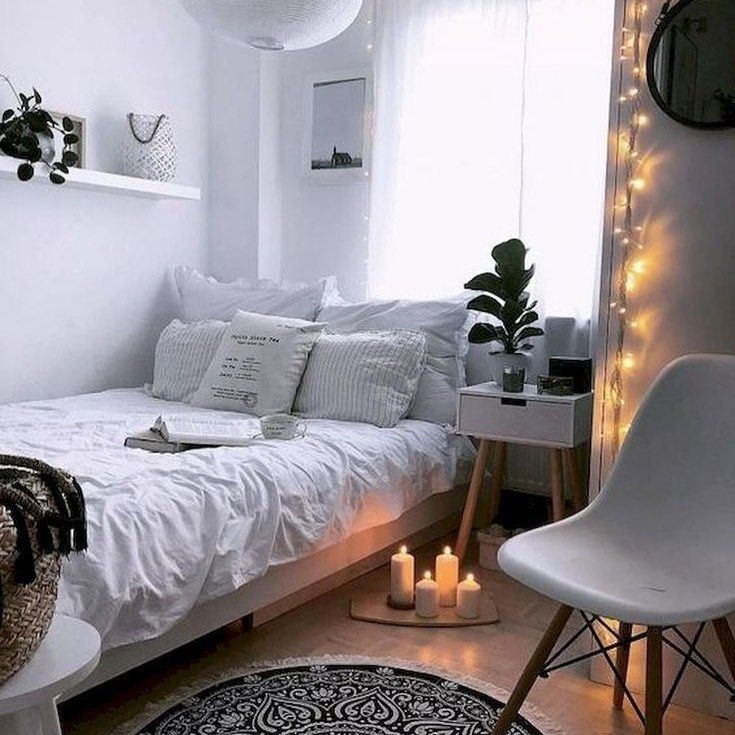 You Still Have Options With Your Small Bedroom Get Creative And Have Fun Decorating Small Bedro In 2020 Small Apartment Bedrooms College Bedroom Decor Simple Bedroom