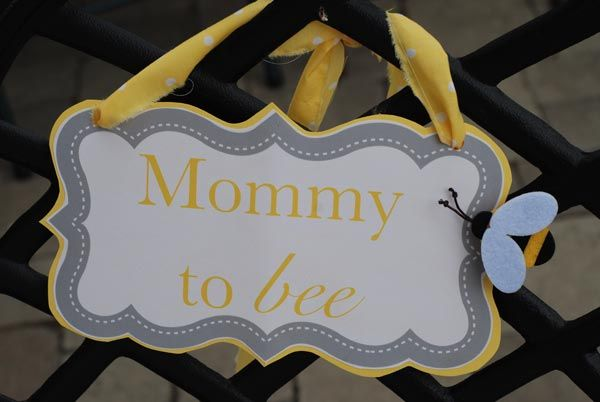 Mommy to Beeeee!: Shower Ideas, Baby Bees, Bees Signs, Mommy To Bee, Bees Baby Shower, Bees Shower, Bees Parties, Colors Schemes, Bumble Bees Theme Baby Shower