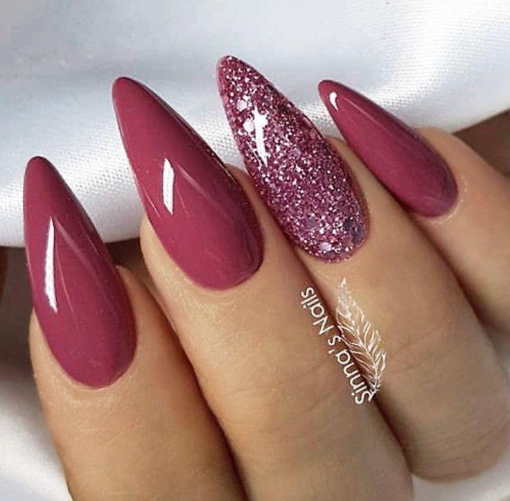 Schöne Nagelkunst! Liebe die Farben für den Herbst! Vielleicht etwas mandelförmiger für