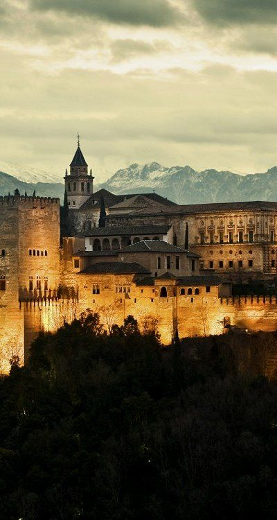 Alhambra. Granada, Spain. Moorish Architecture. (1333–1353) Uno de mis lugares favorito del planeta