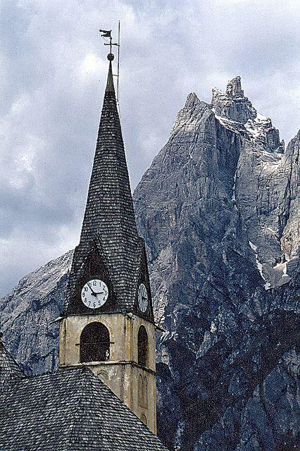Orologio a S.Vito di Cadore - Dolomites, Veneto, Italy #Dolomiti #Dolomites #Dolomiten #Dolomitas