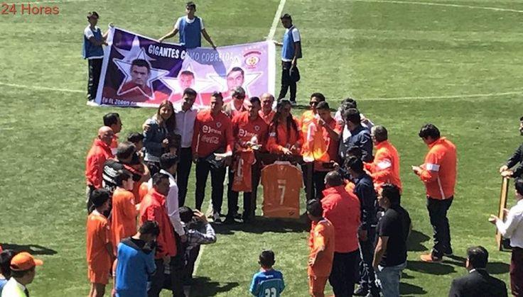 Cobreloa realiza homenaje a Eduardo Vargas y Alexis Sánchez en Calama