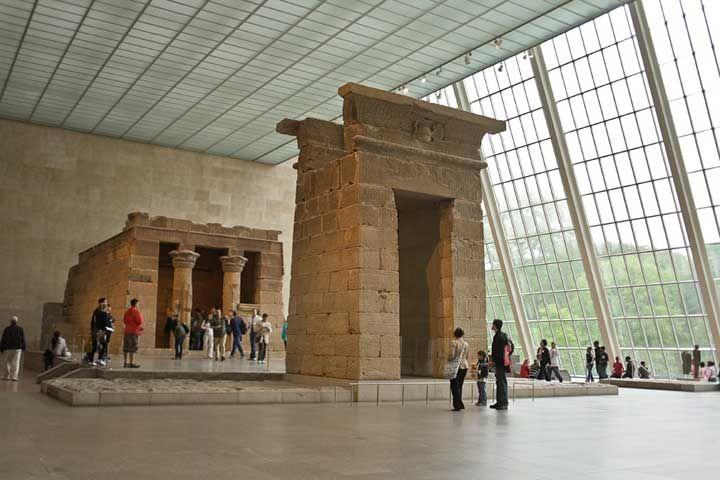 April 13 - Opening of the Metropolitan Museum of Art