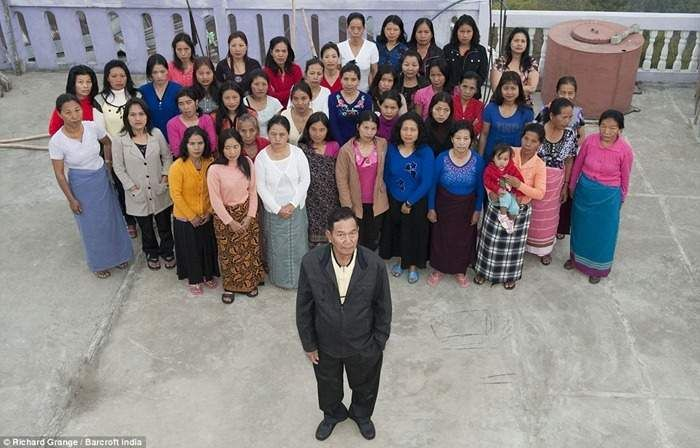 The Largest Family in the World - The man with 39 wives, 94 children and 33 grandchildren