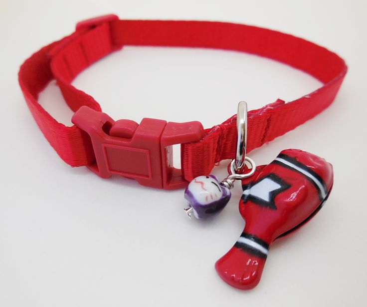 Satin lined 10mm adjustable webbing Cat Safety Collar. Red.  Buy here: http://stores.ebay.com.au/casa-di-gata-house-of-cats