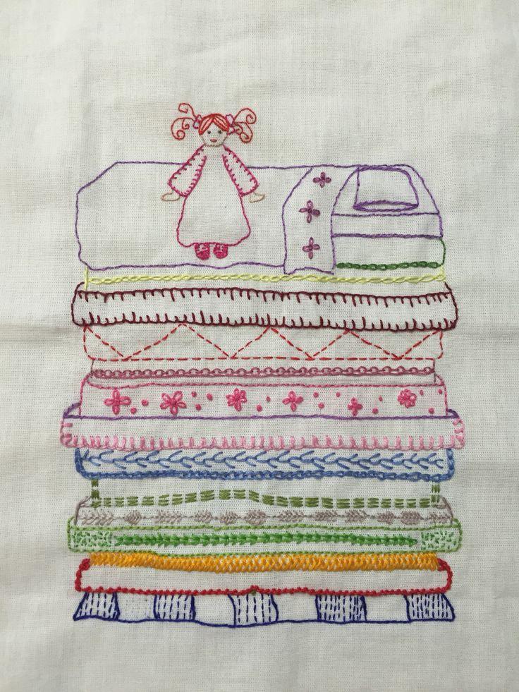 A Princesa e a Ervilha - bordado inspirado no conto de Hans Christian Andersen.