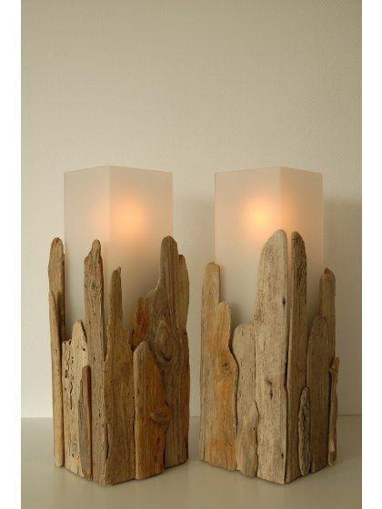 portavela de madera rústica. Driftwood covered candle holders!