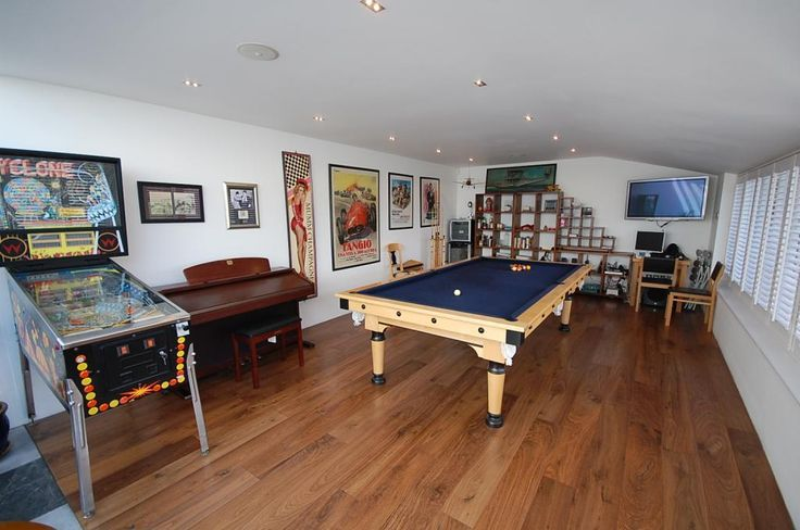 Best 25 small man caves ideas on pinterest small garage for Small pool table room ideas