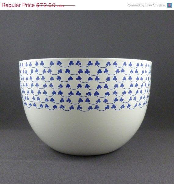 Kaj Franck for Finel blue clover bowl