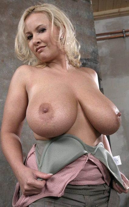 Naked mature big boobs