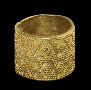 Greek Minoan / Mycenaean Gold Ring, 1600-1100 B.C.