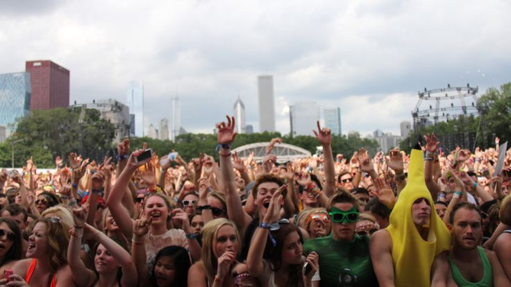 Get the list of all 2017 festivals & events here!!  2017 summer festivals and events in chicago, Air and water show, cultural events, dance music, Entertainment, family fun, food, get the list of festivals and events, Grant Park, live music, Lollapalooza, Navy Pier, parades, pop music, sexy, street festivals, Taste of Chicago