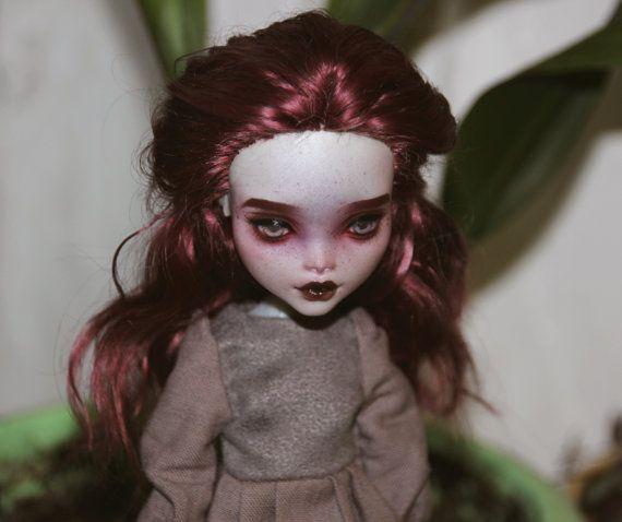 OOAK Commission - Monster High - Repaint - Custom - Make up Service
