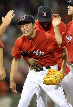ヤンキース戦に勝利し、チームメートと喜ぶレッドソックスの上原=1日、ボストン(EPA=時事) ▼2Aug2014時事通信 淡々と自分の仕事=Rソックス上原、変わらぬ存在感-米大リーグ http://www.jiji.com/jc/zc?k=201408/2014080200167