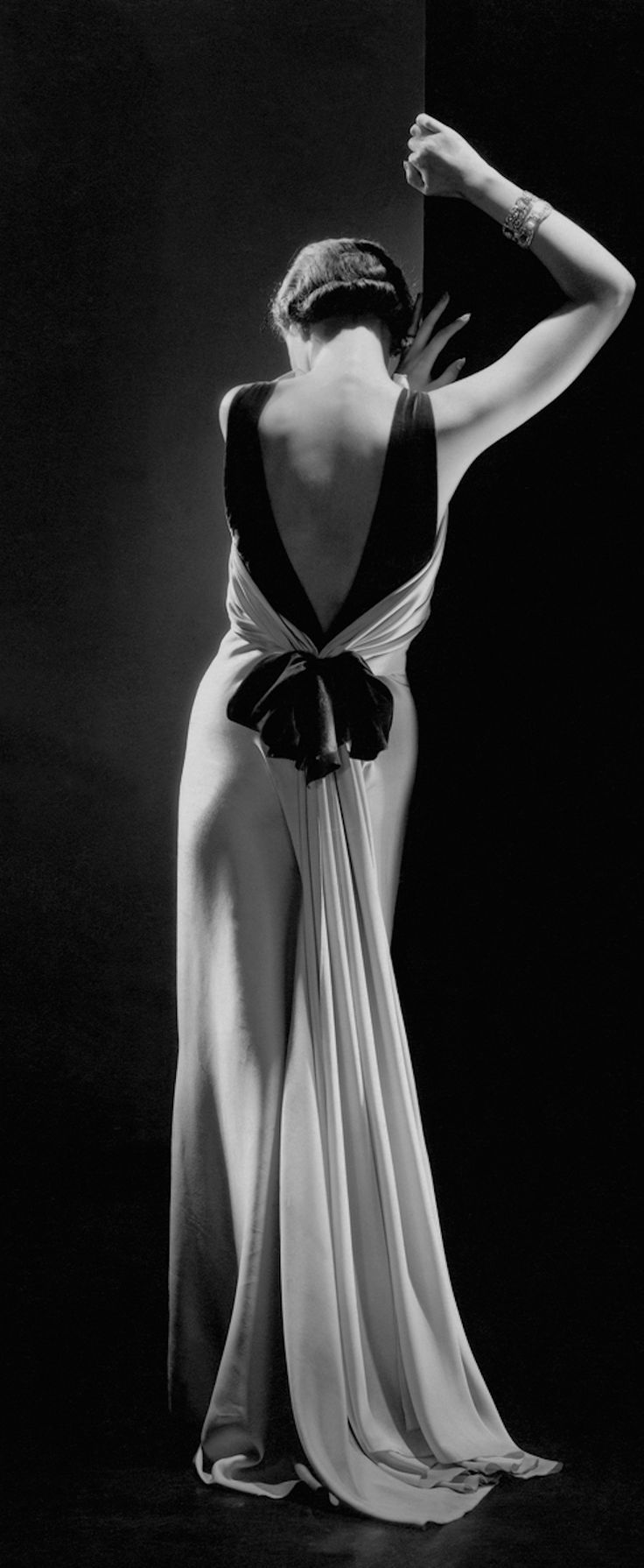 Toto Koopman in a dress by Augusta Bernard; French Vogue, September, 1933.