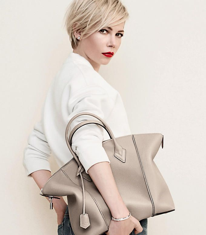 Michelle Williams. LOUIS VUITTON Lockit.