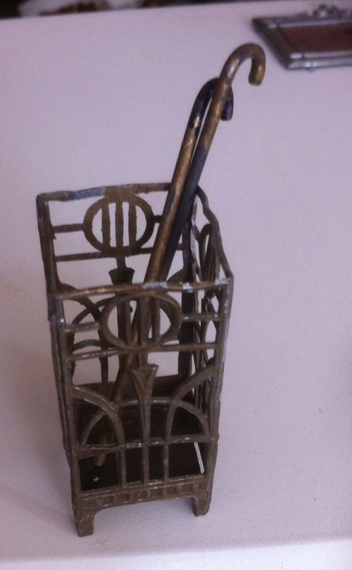 VINTAGE DOLLS HOUSE SOFT METAL UMBRELLA STICK STAND + 2 WALKING STICKS GERMANY | eBay