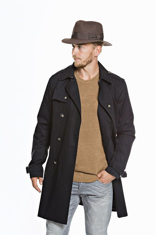 KN Collection suunnittelee ja valmistaa hattuja niin miehille kuin naisille. Näiltä sivuilta löydät miesten tämänhetkisen hattumalliston.