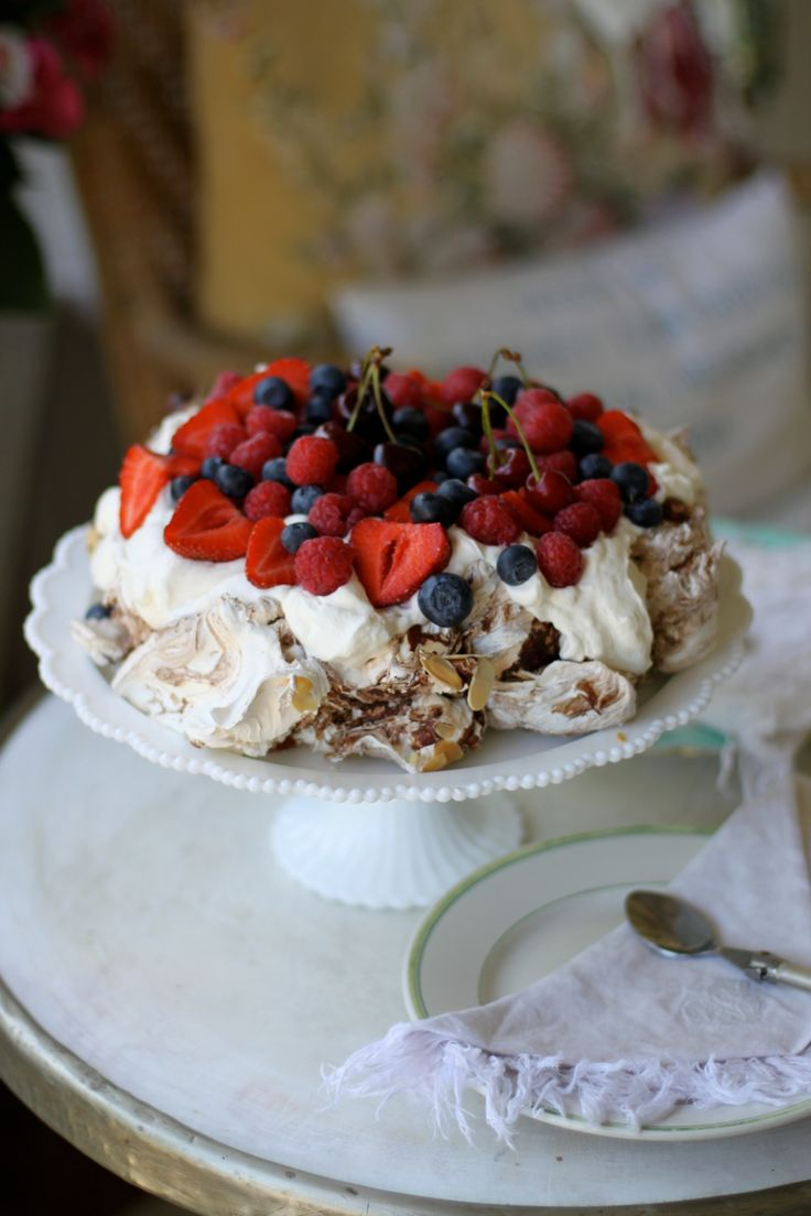 Leilas french chocolate meringue cake from www.leila.se
