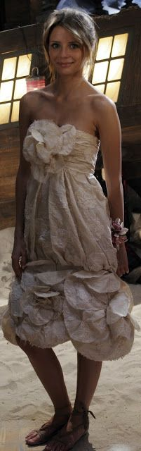 Marissa Cooper's Chanel prom dress....dream wedding dress since high school haha