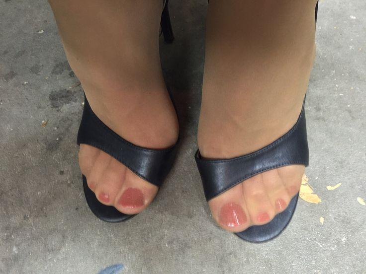 Pretty Nylon Toes