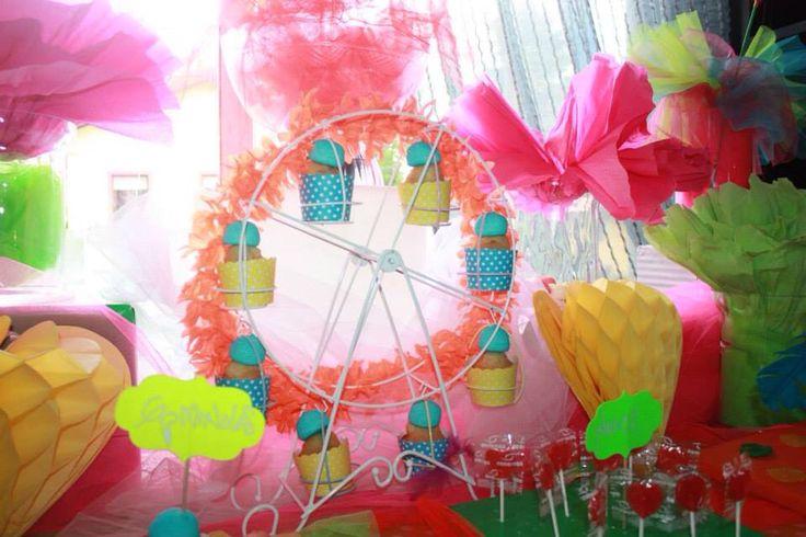 Decoraci n tem tica mesa dulce fiesta fluor - Decoracion de mesa de cumpleanos infantil ...