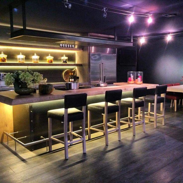 The Living Kitchen B.V. by Paul van de Kooi | bar | barblad | waankanten| open schappen | maatwerk | blauwstaal | massief hout | RVS | Wolf | Sub Zero | Gaggenau | barkrukken