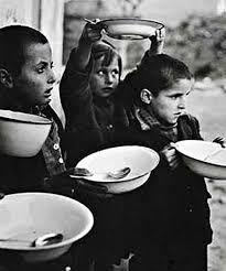 Αποτέλεσμα εικόνας για φωτογραφιεσ τα παιδια τησ κατοχησ βουλα παπαιωαννου
