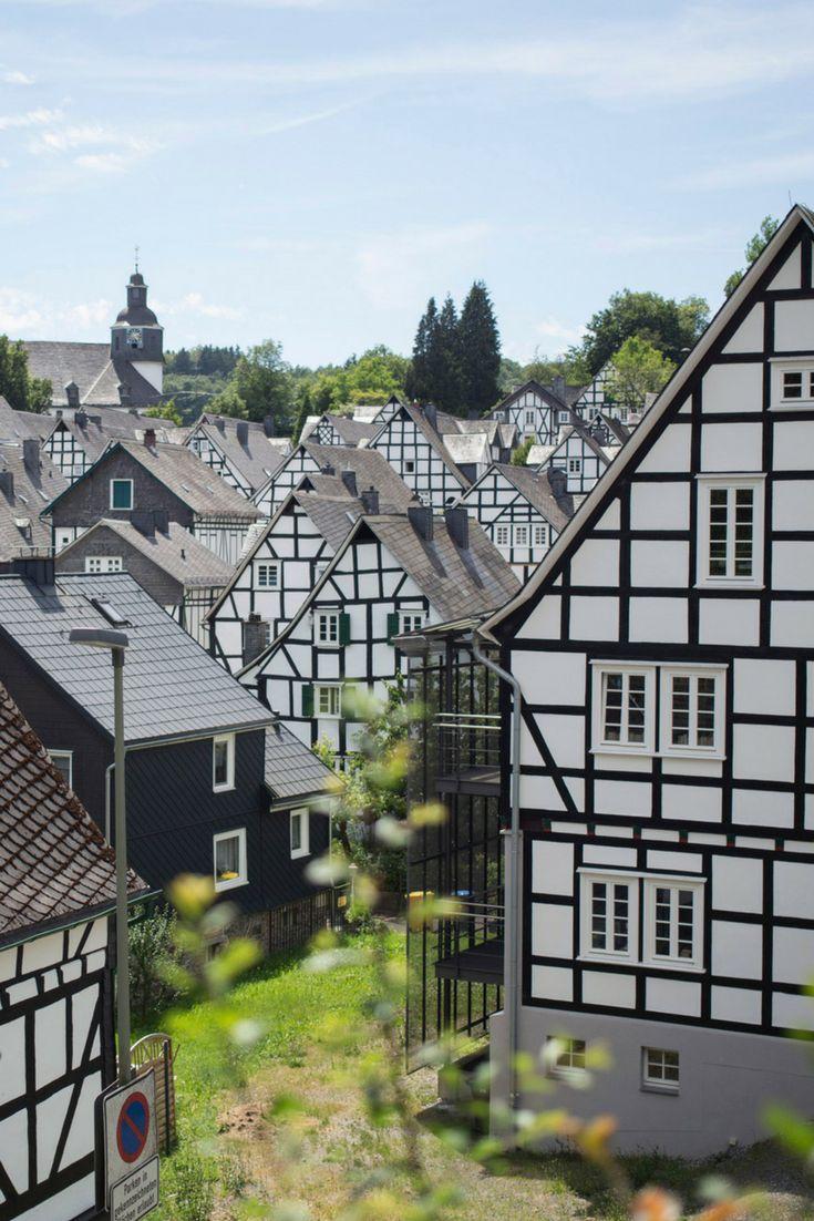 Warst Du schon mal in Freudenberg? Historische Ortskerne mit Fachwerkhäusern und romantischen Gassen findest Du in NRW so viele - klick Dich einfach durch. © Tourimus NRW / Ralph Sondermann