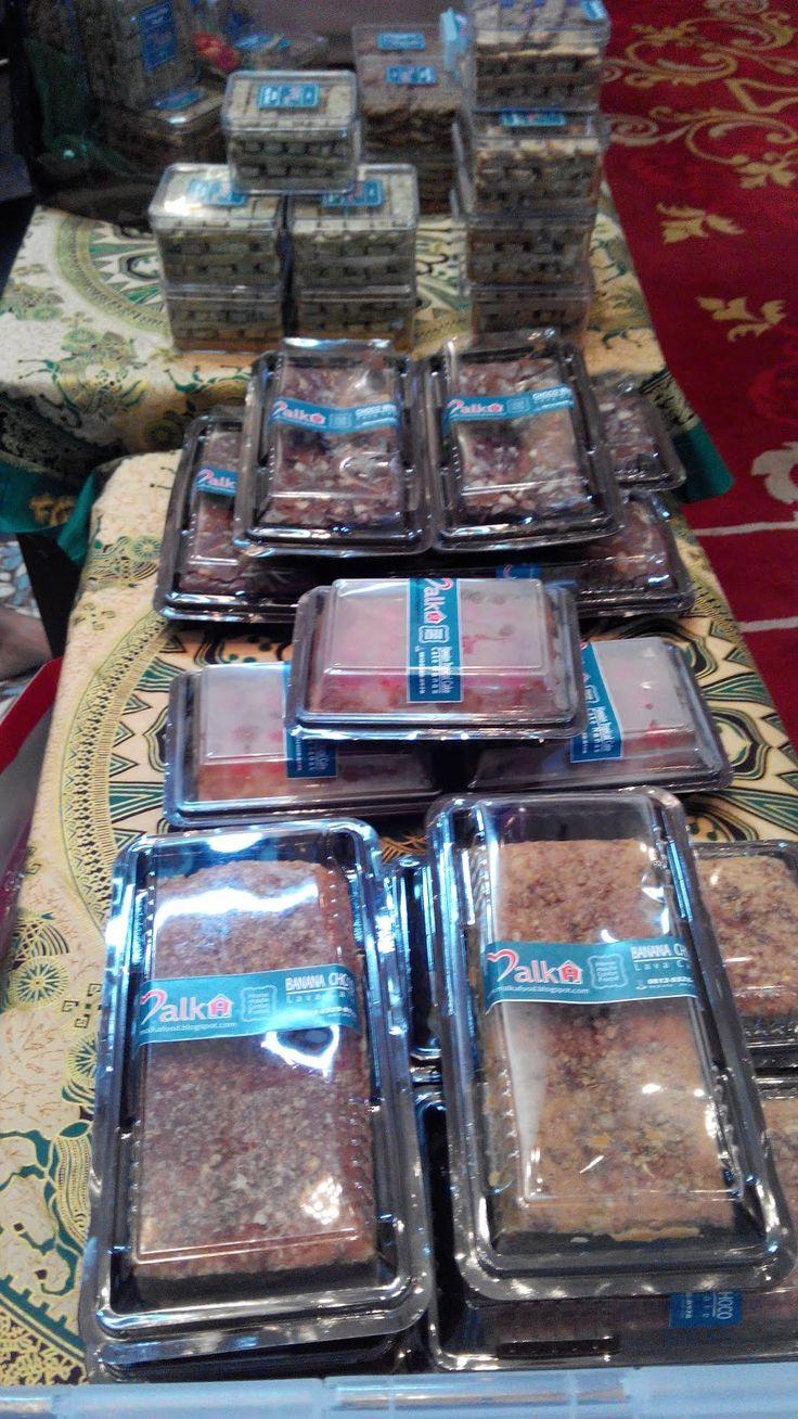MALKA FOOD KITCHEN: biscotti - lavacake - pineapple cake