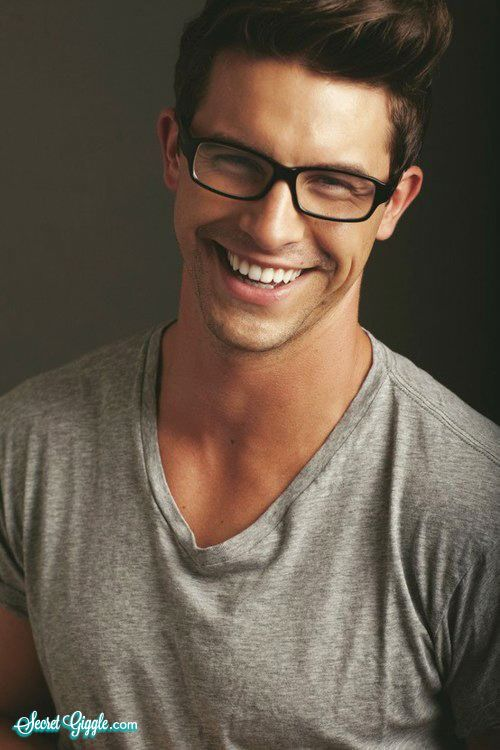 Nerdy guys can be sexy too! (27 Photos) - Secret Giggle