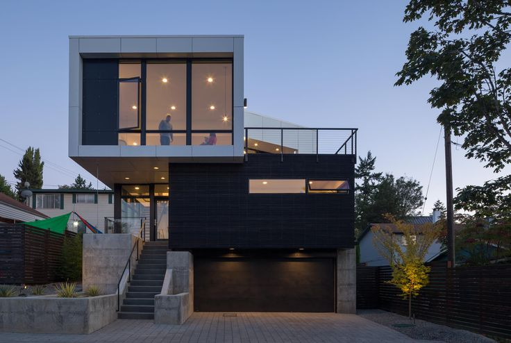 Modern Seattle Home Finds Creative Ways to Let the Sunshine In - http://www.interiorredesignseminar.com/interior-design-inspirations/modern-seattle-home-finds-creative-ways-to-let-the-sunshine-in/