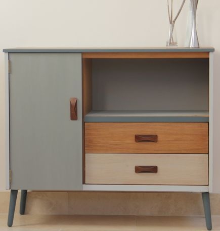maßgeschneiderte Upcycled Mid Century Retro Möbel Sideboard Schreibbüro Stuhl Buch