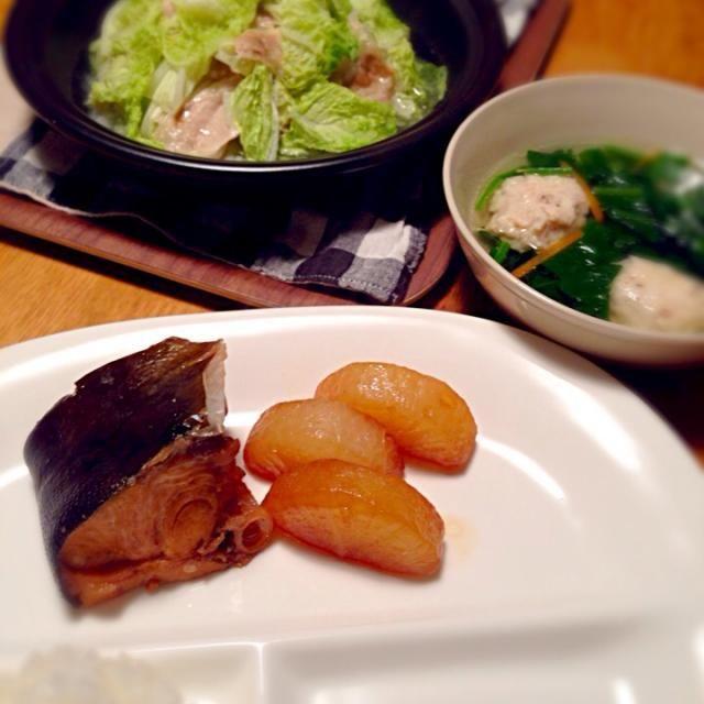 大量の白菜と大根を消費しなくてわっ꒰。•`ェ´•。꒱۶ - 6件のもぐもぐ - タジン鍋で白菜と豚肉☆カンパチのあら炊き☆鶏のつみれスープ by uco8872