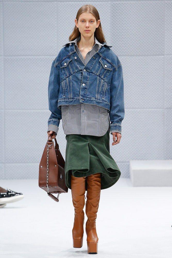 Balenciaga Fall 2016 Ready-to-Wear Fashion Show