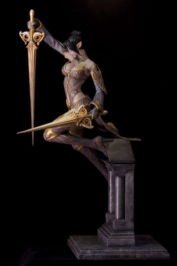 Dark Elf ... Graceful Combat - Resin Illuminati
