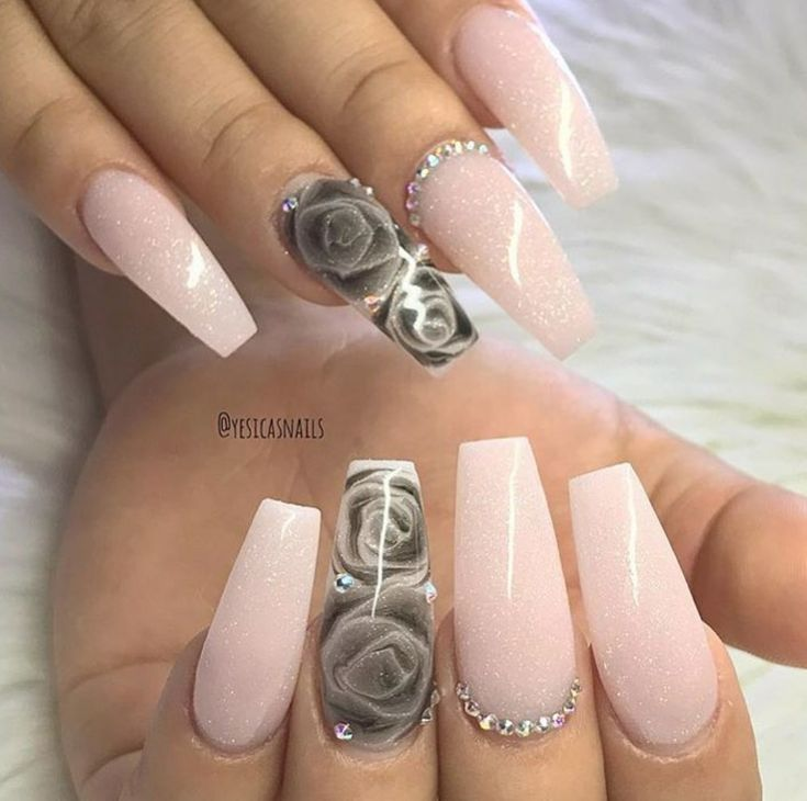 I JUST love these nails! Coffin nails with black rose nail art on ring finger and rhinestones to top it off | nail art ideas | unas | ongles #nailart #nails #naildesign