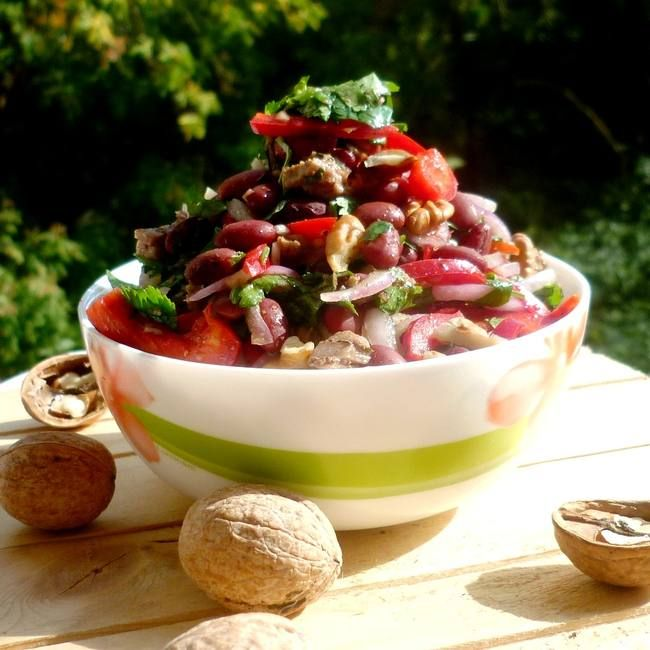 "Грузинский салат ""Тбилиси"" - рецепт."