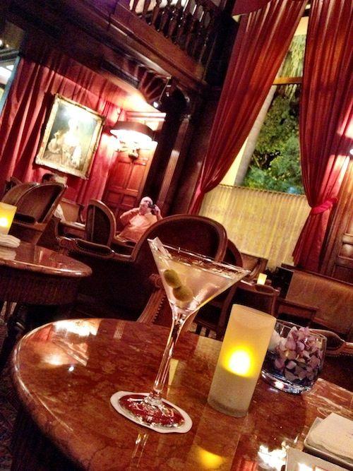 Le Negresco Hotel in Nice France by CarlosMeliaBlog.com Bar Le Relais  #LeNegresco