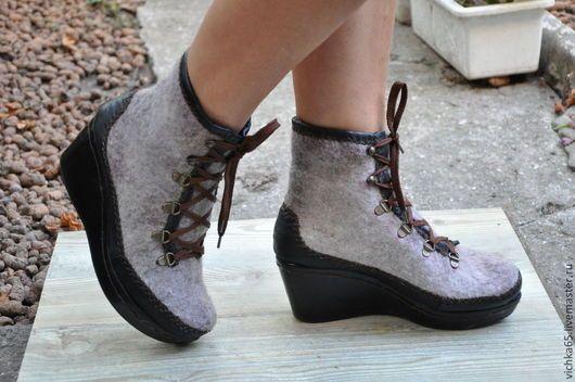 Обувь ручной работы. Ярмарка Мастеров - ручная работа. Купить Валяные ботинки из войлока и натуральной кожи. Handmade. Бежевый